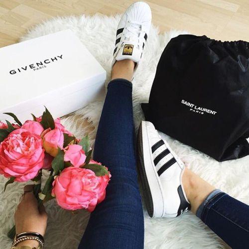 Imagen de roses, adidas, and fashion | Pareja goals, Adidas