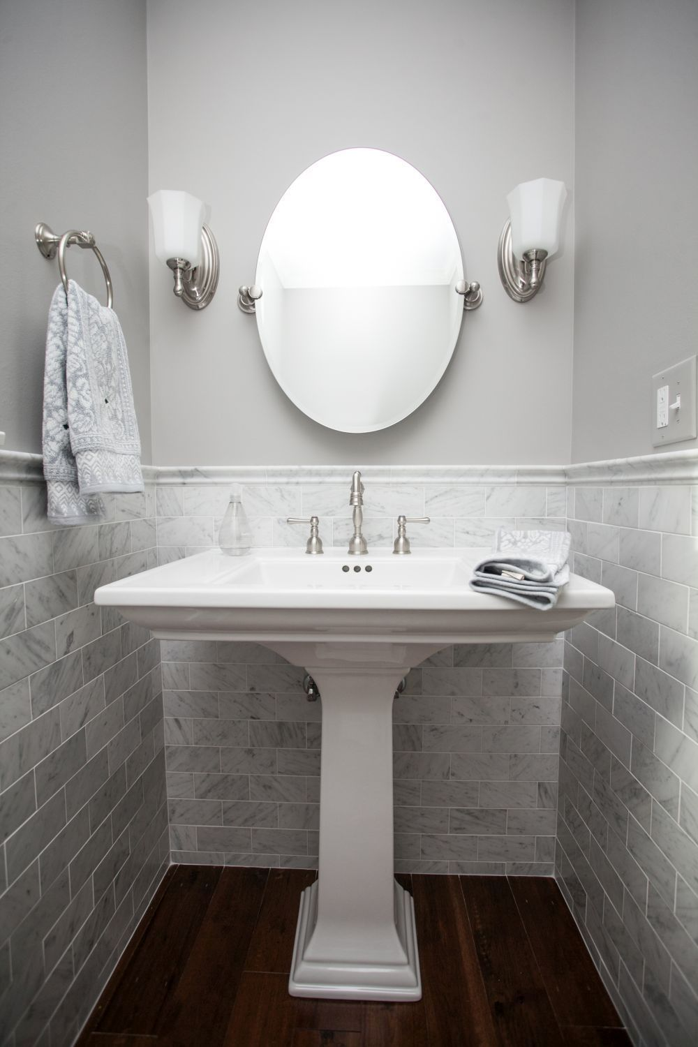 Small powder room with tile trim in 2019 powder room - Small powder room sink ...