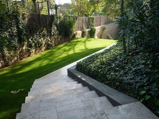 Un Jardin En Pente Douce Jardin En Pente Jardins Pente