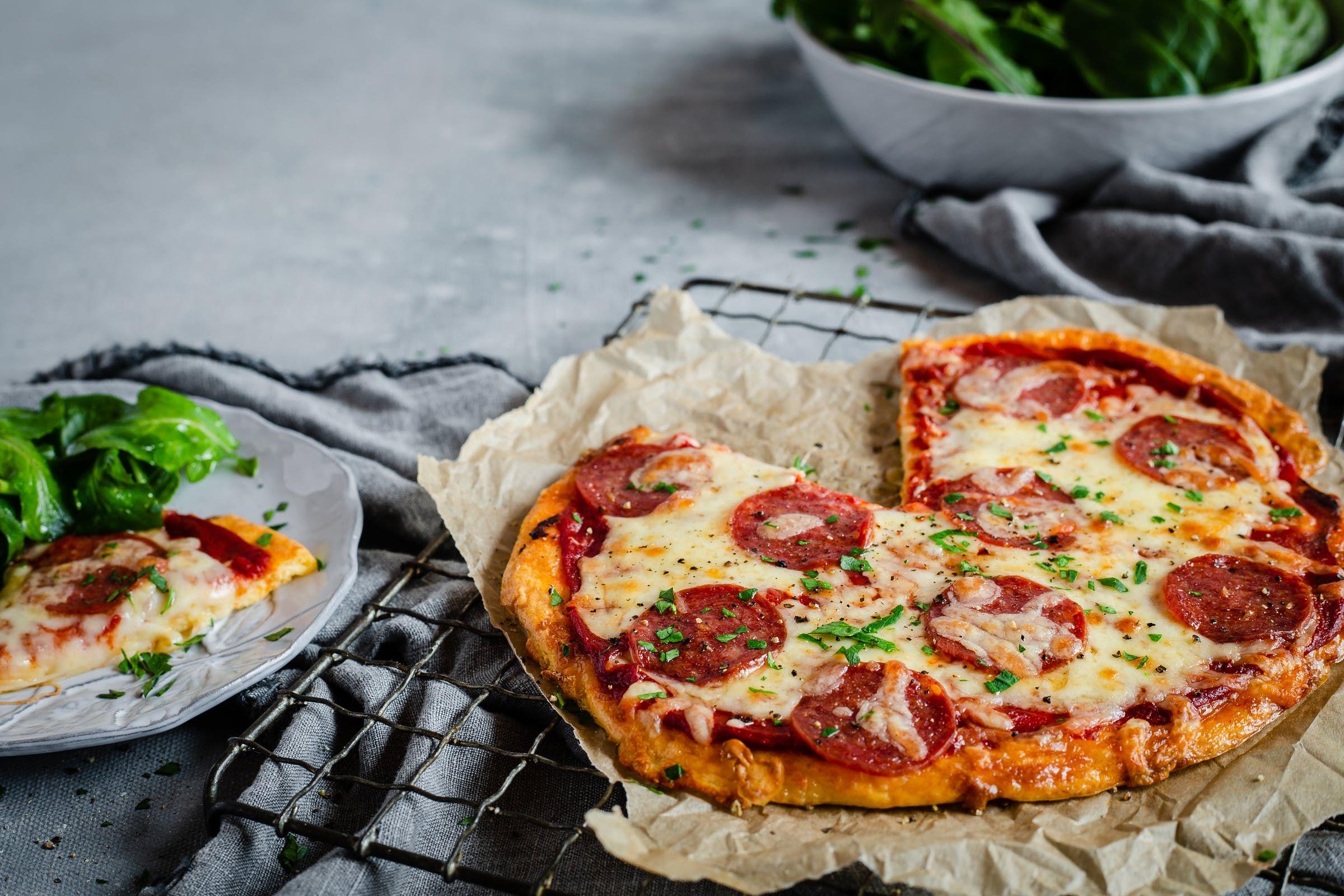 Keto Pizza The Best Pizza Recipe Ever With Video Diet Doctor Recipe Best Pizza Recipe Ever Good Pizza Pizza Recipes