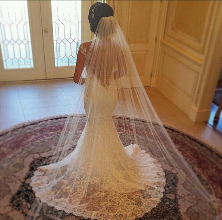 Love The Drop Back Lace And Long Vale Wedding Veils Bride Veil Hairstyles