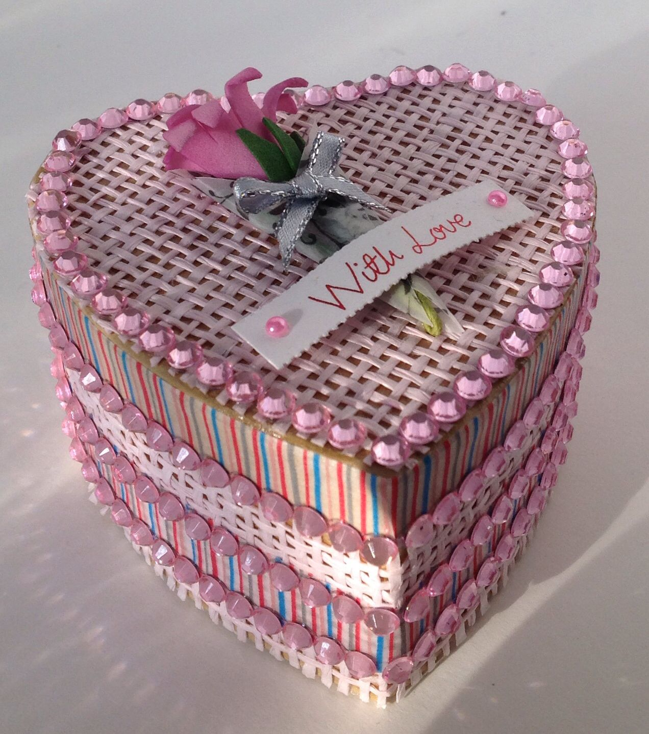 Small flower heart box