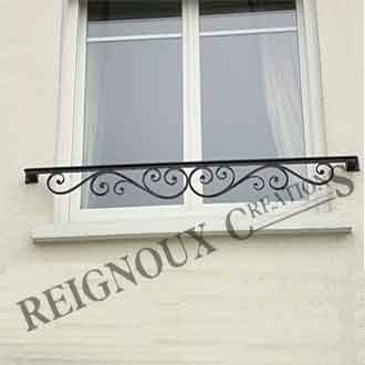 Balcons et garde corps reignoux cr ations fer forget pinterest iron wrought iron and for Design fer forge fenetre