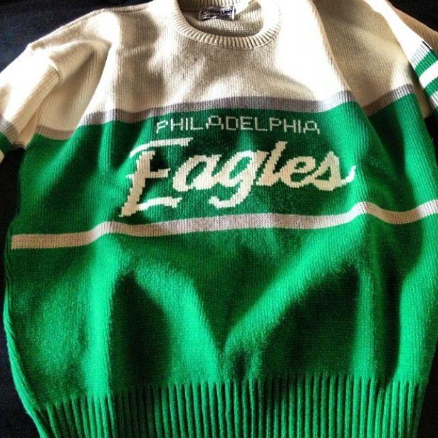 sale retailer 547b8 b4426 Vintage Kelly Green Philadelphia Eagles sweater ...