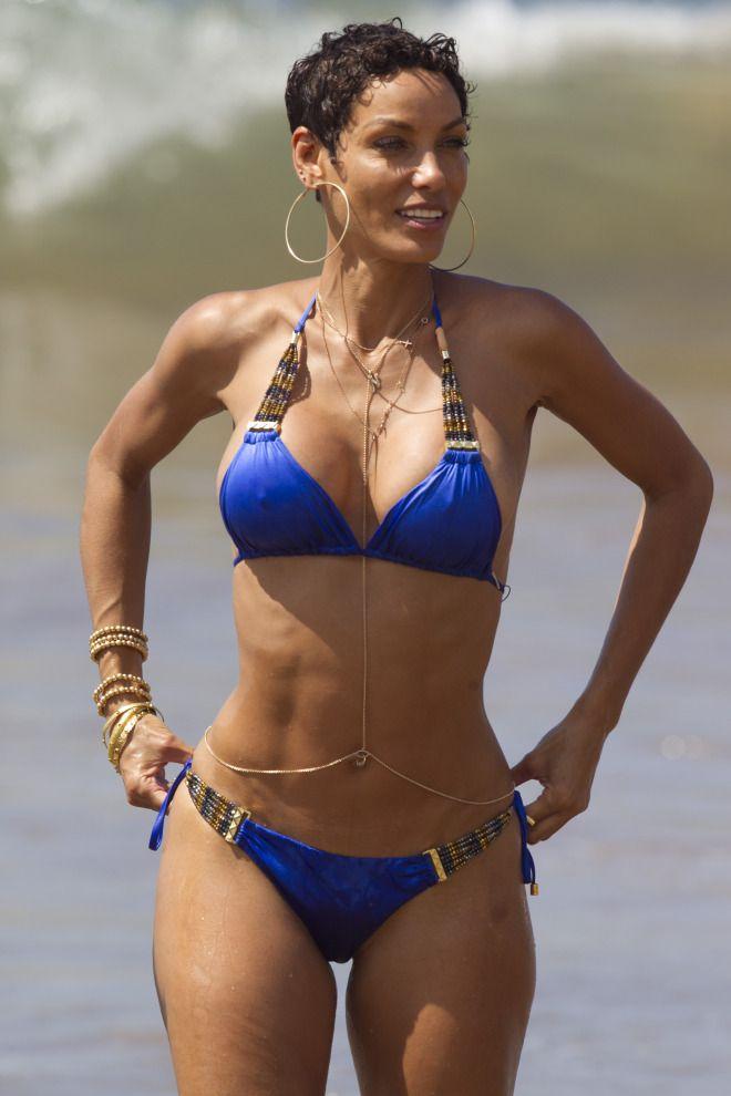 8f030f77ae Nicole Brown Murphy bikini beach filming hollywood exes Filles Noires, Tenue  De Plage, Femme