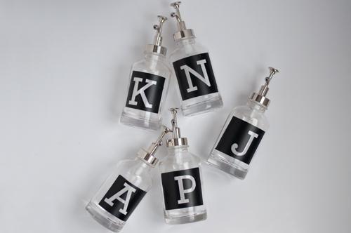 Grabado al ácido de letras en botes de cristal  ¿Quieres aprender