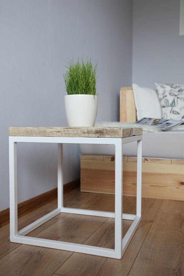 couchtisch hocker finest haushalt fusttze tee couchtisch hocker rosa gelb grn lila ect farbe. Black Bedroom Furniture Sets. Home Design Ideas