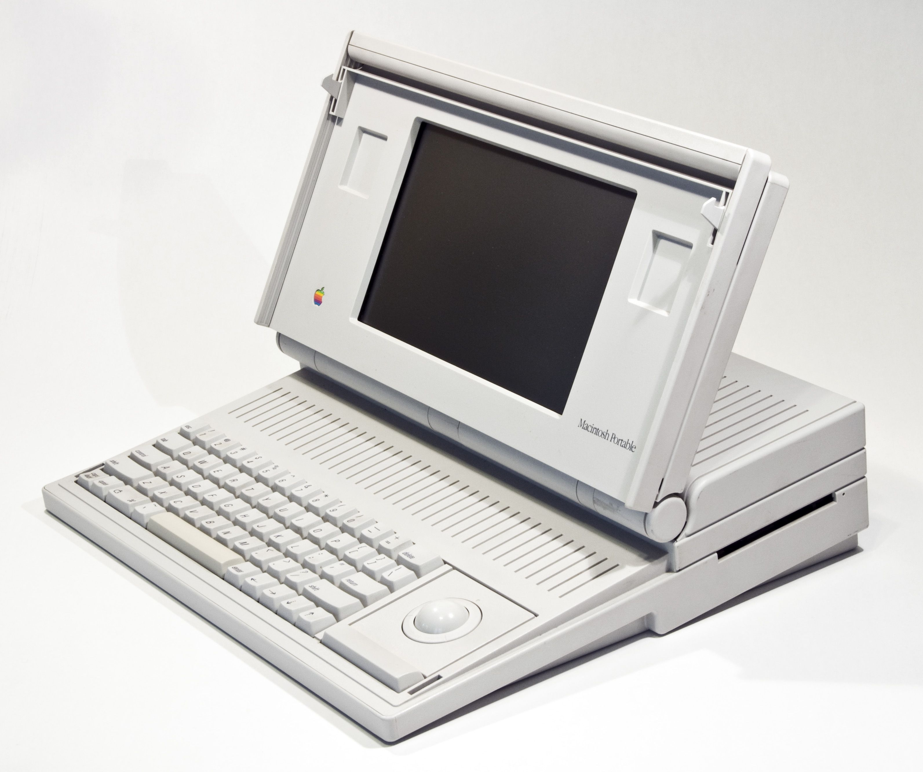 1987 Macintosh Portable First Portable Computer Produced By Colby Systems Way Before Apple Produces His F Apple Computer Apple Computer Laptop Apple Macintosh