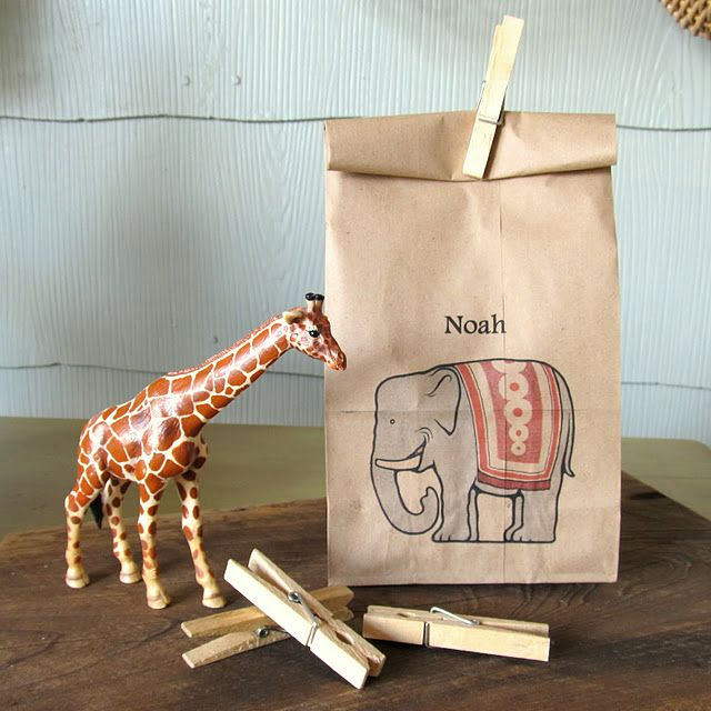 fun printed lunch bags using free graphics from Graphics Fairy -- print your own Christmas gift bags?? (@Olden Burg-- for Margaret's Birthday?)