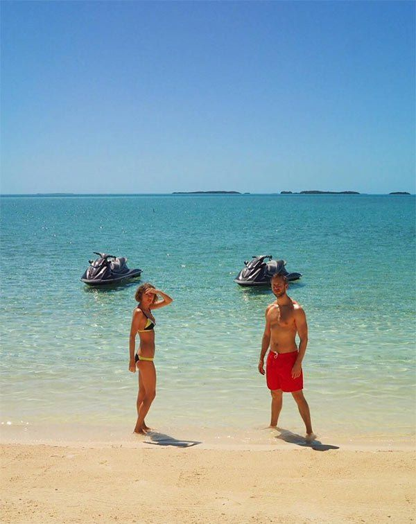 [PICS] Taylor Swift & Calvin Harris: Photos Of Their Romantic Beach Vacation