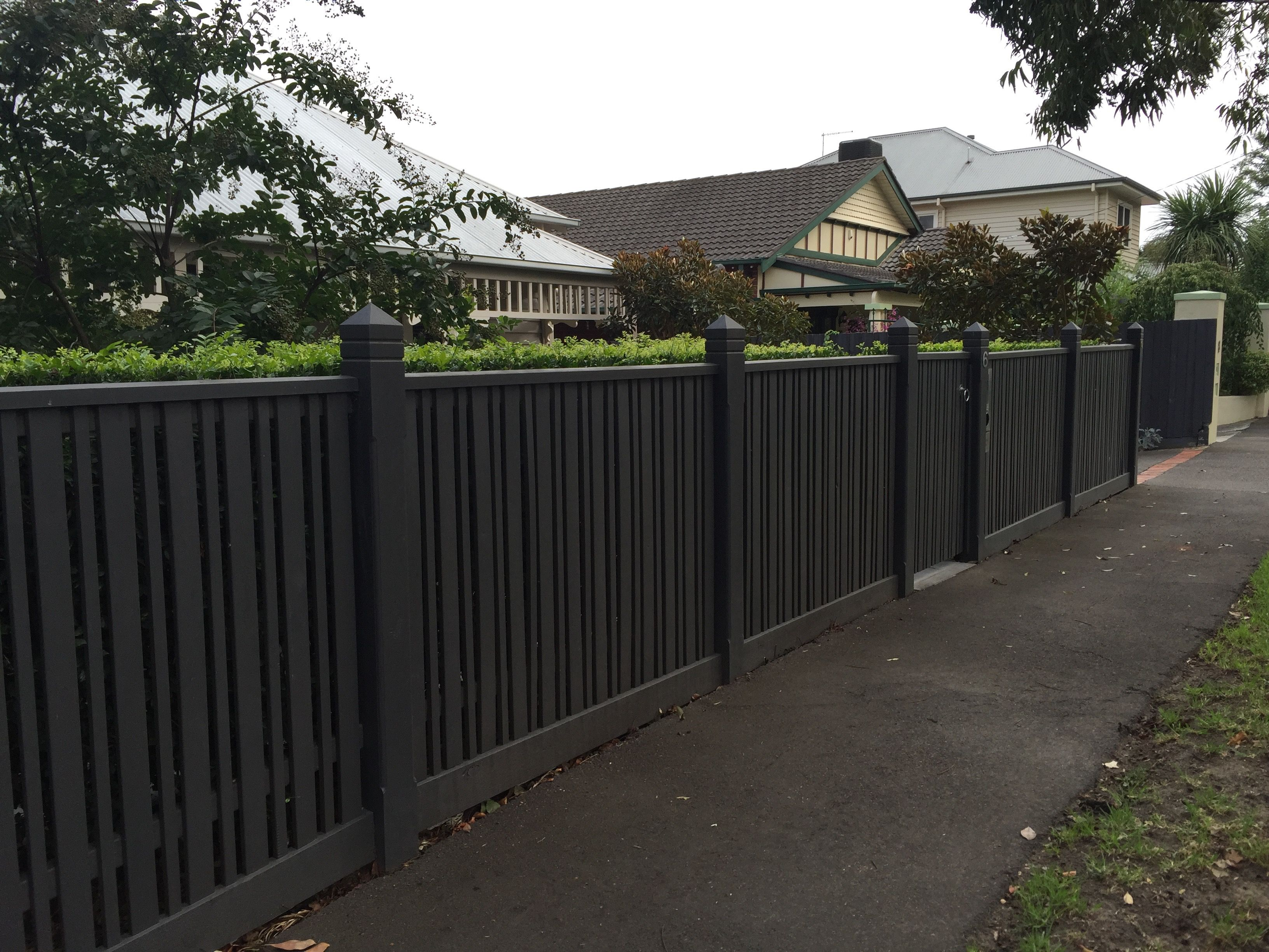 Thin and thick pickets Line with mini orb and or hedge on inside