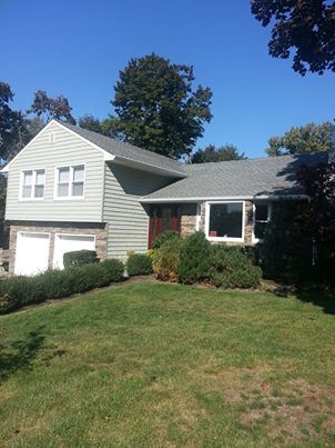 Home Out Of Port Washington Ny This Home Has Our Coastal Sage Pelican Bay Shake Www Alside Com Thank You Brothers Alum Pelican Bay Siding Colors Curb Appeal