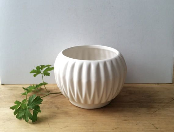 Vintage White Mccoy Planter Mccoy Ridged Flower Pot Matte White Ridged Pot Classic Farmhouse Mcm Vintage Pottery White Pottery Vintage Ceramic