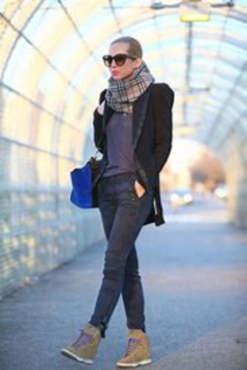 a599d76476b Cool 51 Stylish Winter Outfits Ideas with Wedge Sneakers. More at http
