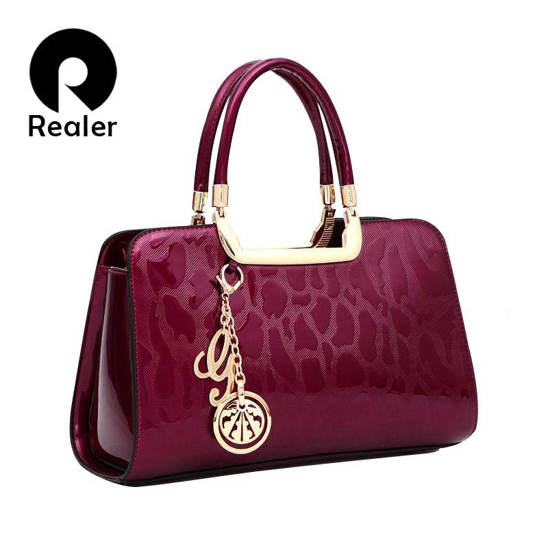 Aliexpress.com  Acheter Haute qualité femmes en cuir verni sacs à main  moyen sac fourre tout noir sacs à main designer de la marque dames or  embrayage sacs ... de8c12ee3c1