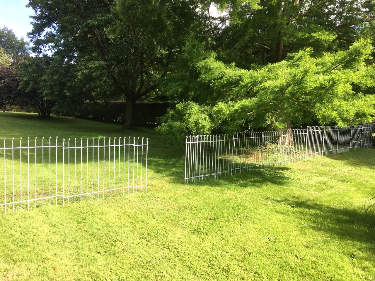 Une clôture idéale pour délimiter votre terrain. La clôture pour ...