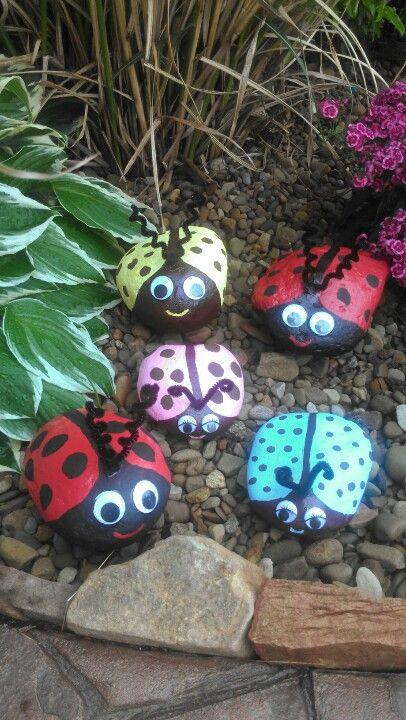 We could pain some rocks for decorations out side for haydynns birthday party then kids can take them home with them???