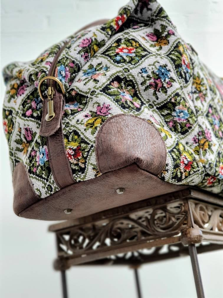 Embroidery / Tapestry Weekend bag, vintage Tapestry fabric