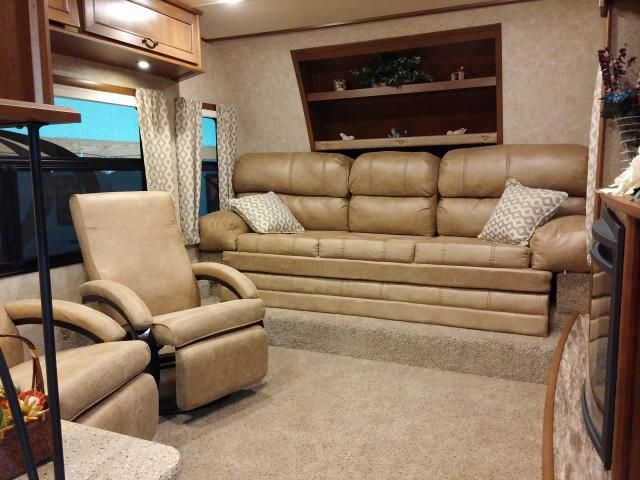 open range light 311flr - front living room fifth wheel | open