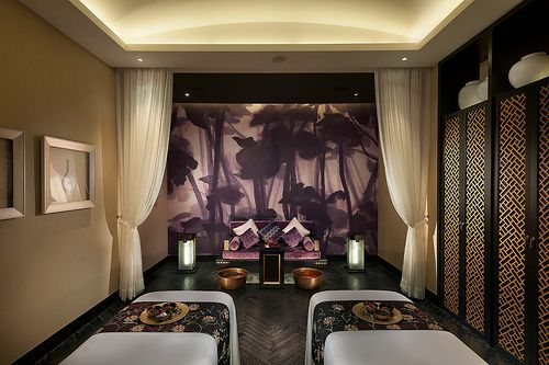 Spa Couples Suite At Mandarin Oriental Guangzhou By Mandarin Oriental Hotel Group Via Flickr Spa Rooms Salon Suites Decor Luxury Rooms