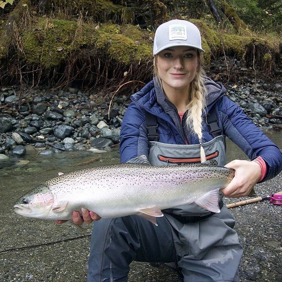 Pin by interform on fly fishing fish fishing babes