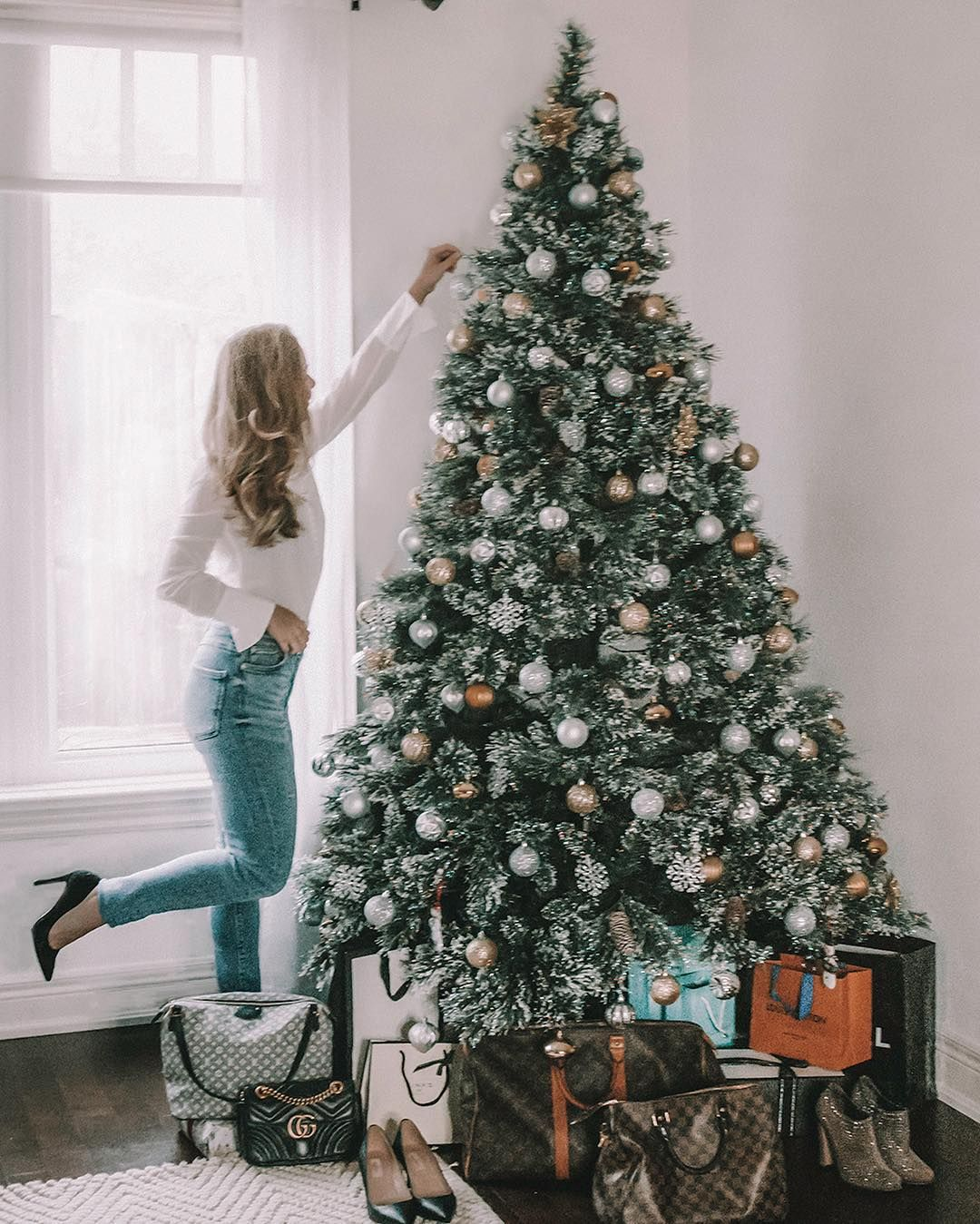 Luxury Gifts Under A Frosted Christmas Tree Selling Some Of My Luxury Pieces Visit My Instagram For The Frosted Christmas Tree Christmas Tree Holiday Decor