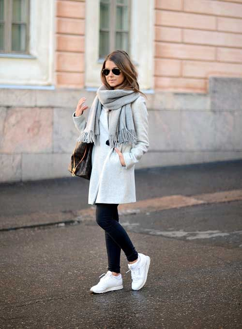 light-blue-coat-outfit  6297ef6b3