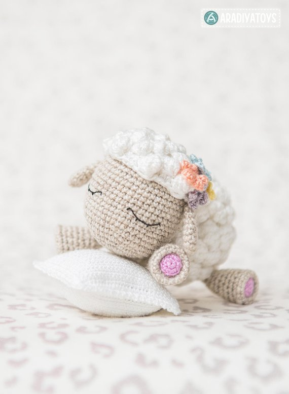 Crochet Pattern of Lamb Shelby from \