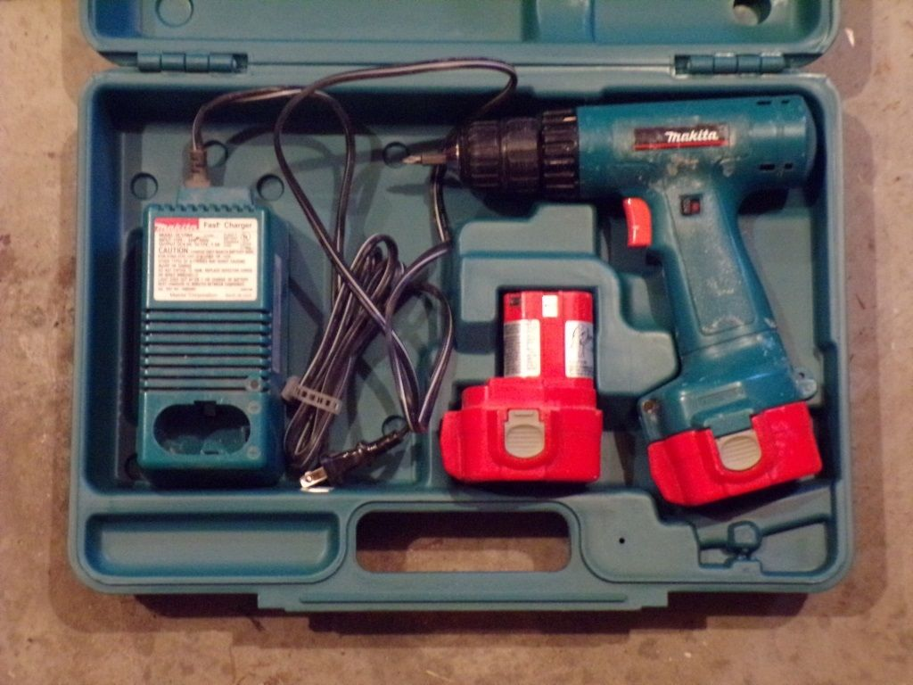 Makita 12v Drill W Case Batteries Charger Drill Makita Battery Charger