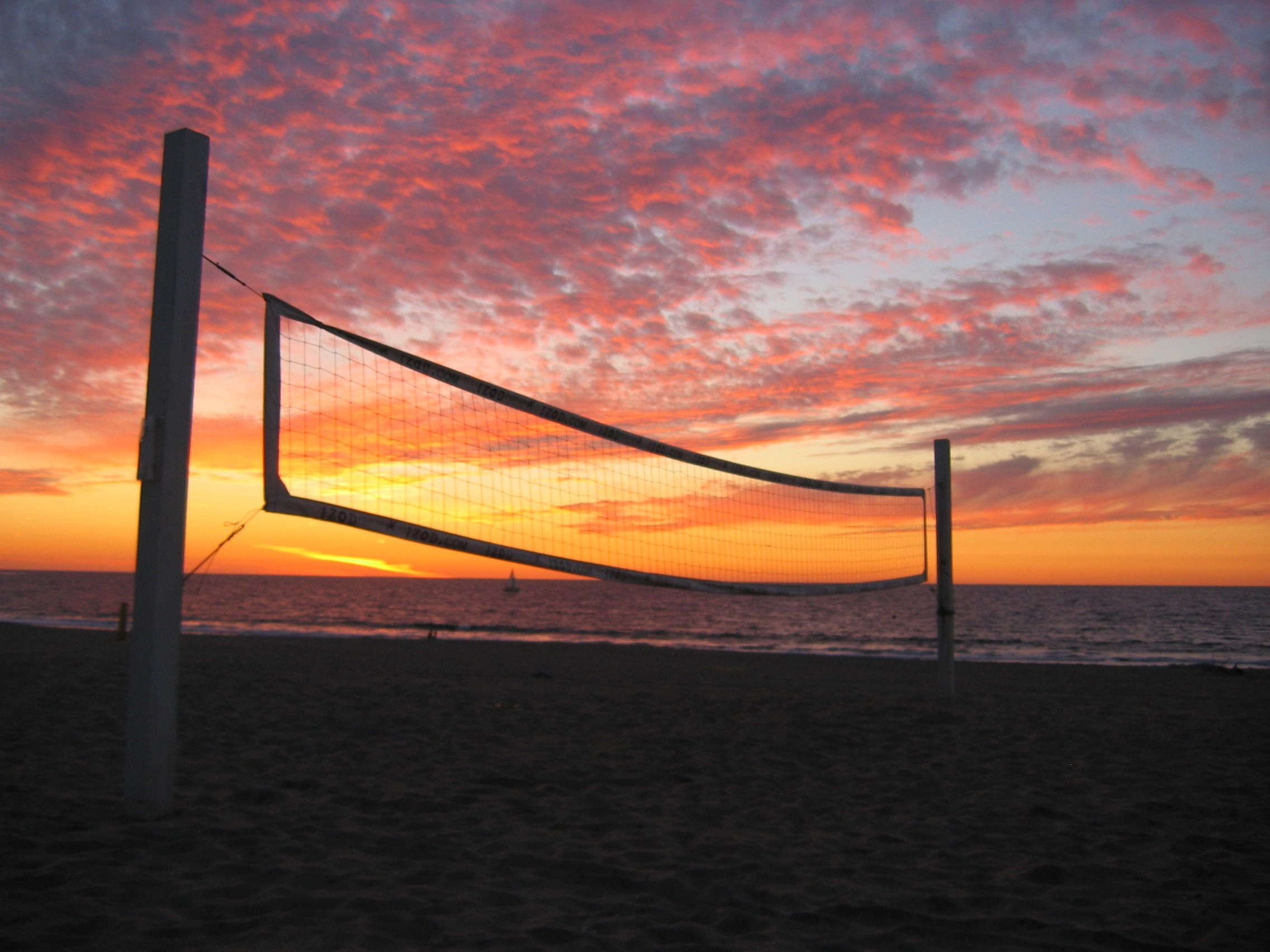 Care For A Game Of Volleyball In Redondo Beach Perjalanan