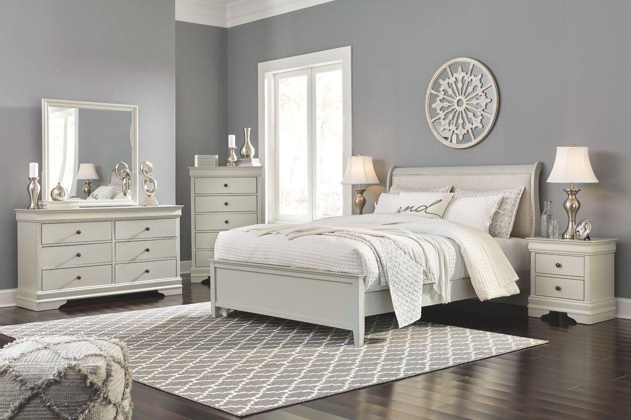 Jorstad Queen Bed With 2 Nightstands With Images Bedroom