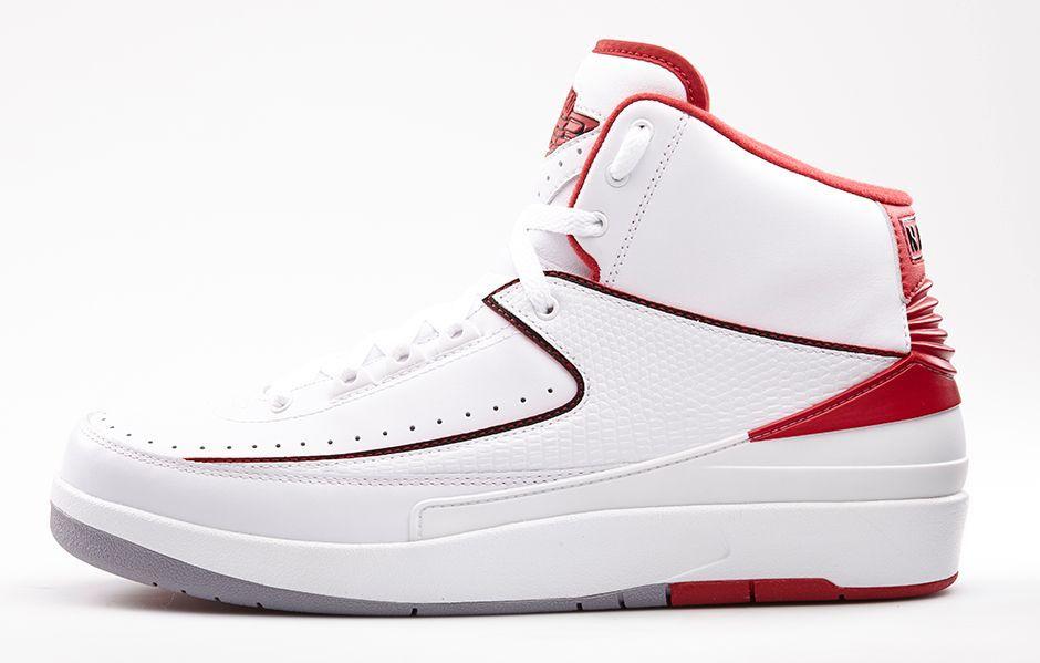 Image from http://content.nike.com/content/dam/one-nike/en_us/season-2014-su/shop/launch/6-7/Air-Jordan-2-Retro-White-Varsity-Red-Profile.jpg.dimg/940x599q80.jpeg.