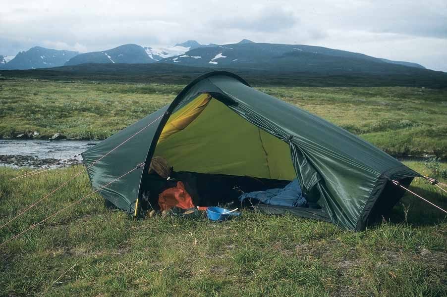 The Akto is a spacious and amazingly light solo tent with true all season function. & For my home away from home I have selected the Hilleberg Akto a ...