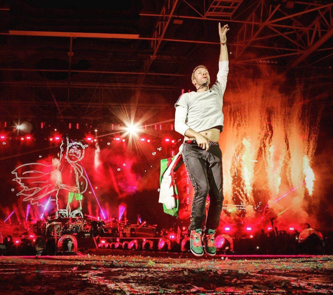 Something Just Like This (quite literally!) Chris Martin, Coldplay, AHFOD Tour, Cardiff, 12 July 2017.