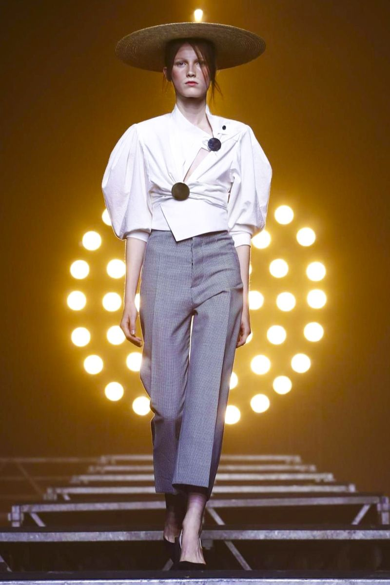 Jacquemus Ready To Wear Spring Summer 2018 Paris: Jacquemus Fashion Show Ready To Wear Collection Spring