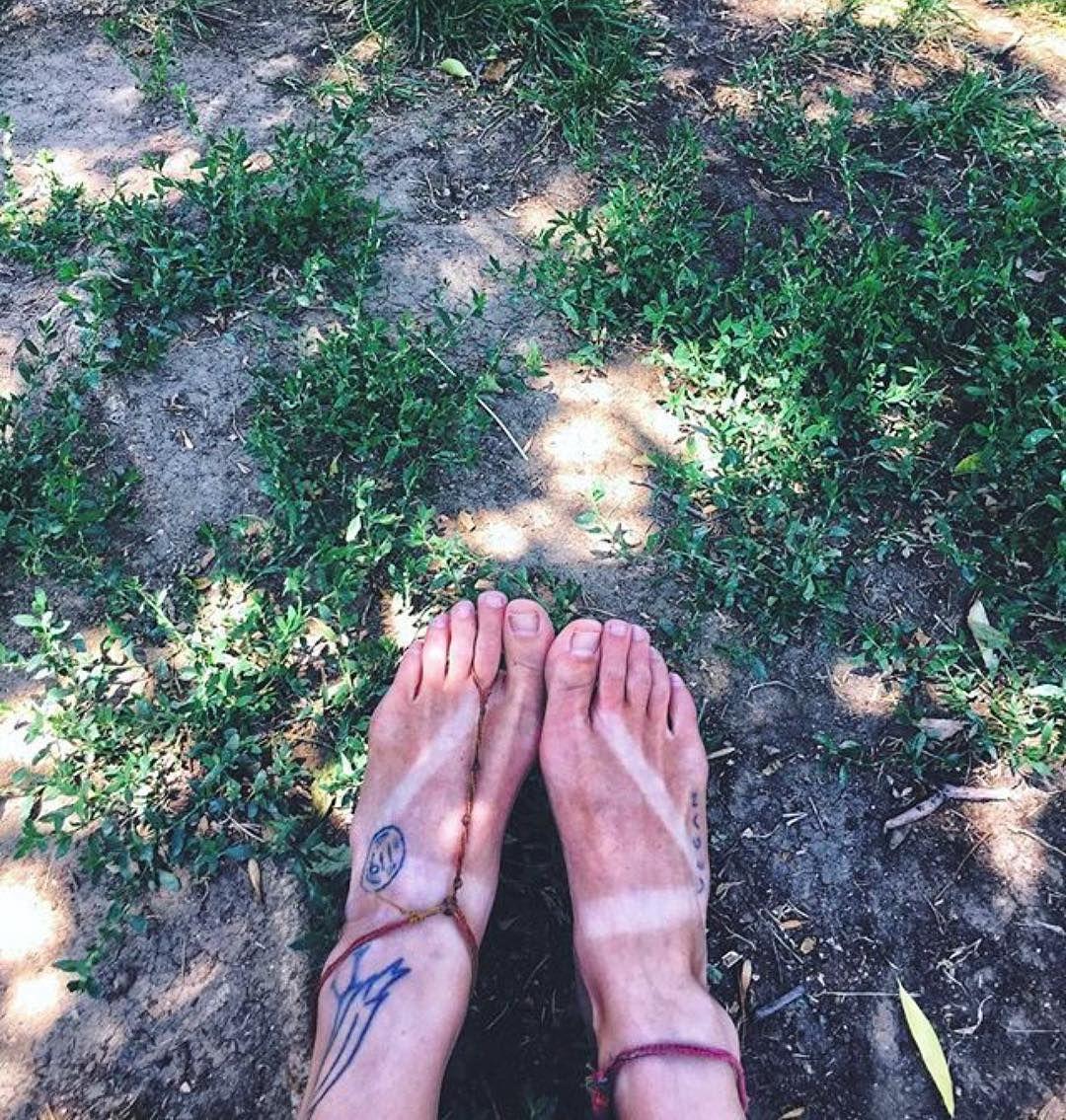 Not Letting These Tan Lines Go Photo Via Vievegene Barefoot