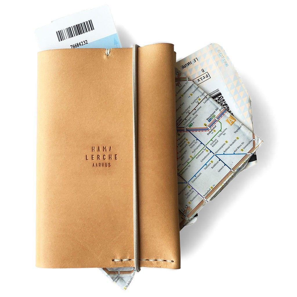 3f449f0deec Passport Wallet | Naturel Handgemaakte Accessoires, Reizen Naar Azië,  Handgemaakt Leer, Portefeuilles,