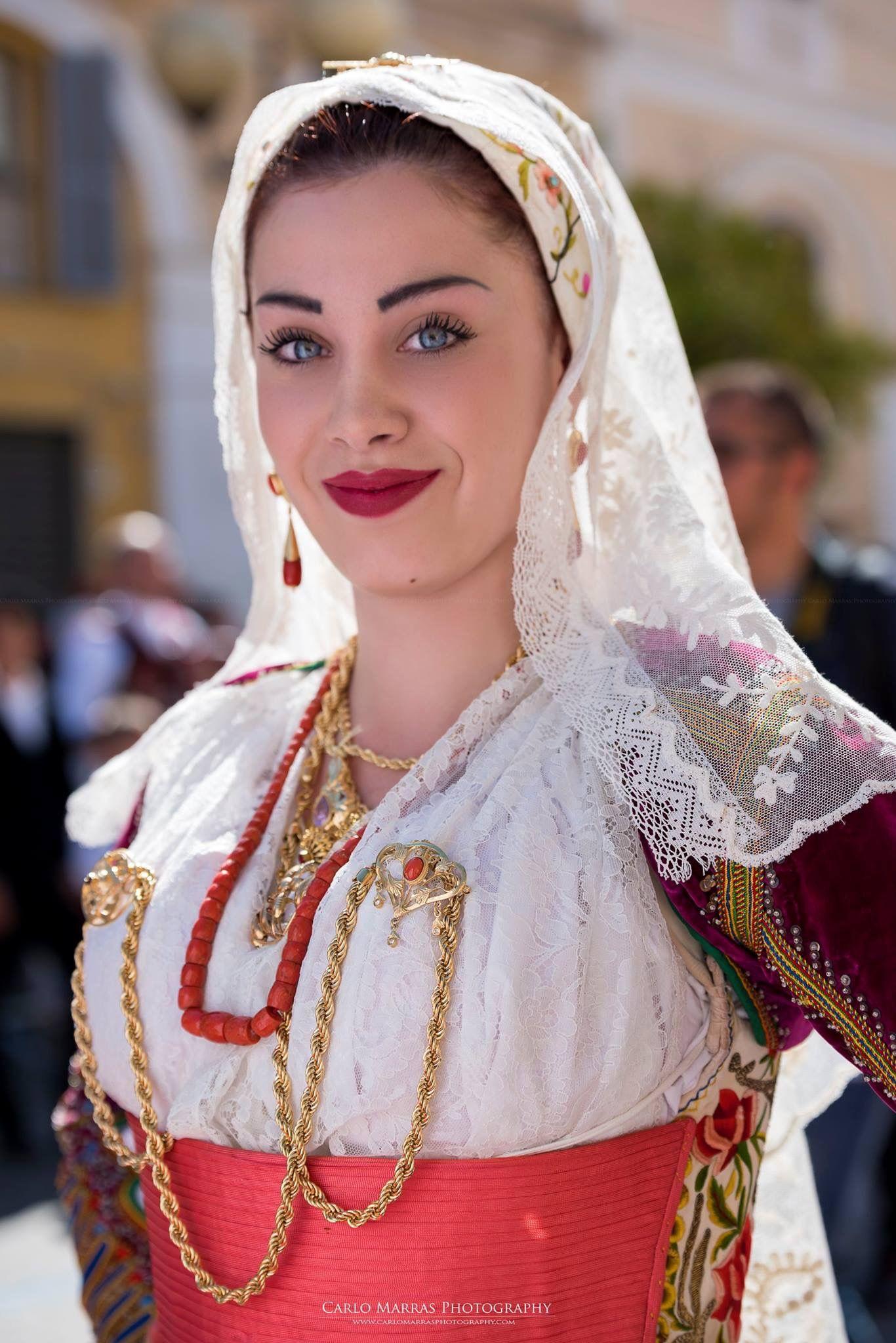Pin di Hillevi su Italy folk costumes   Abiti tradizionali ...