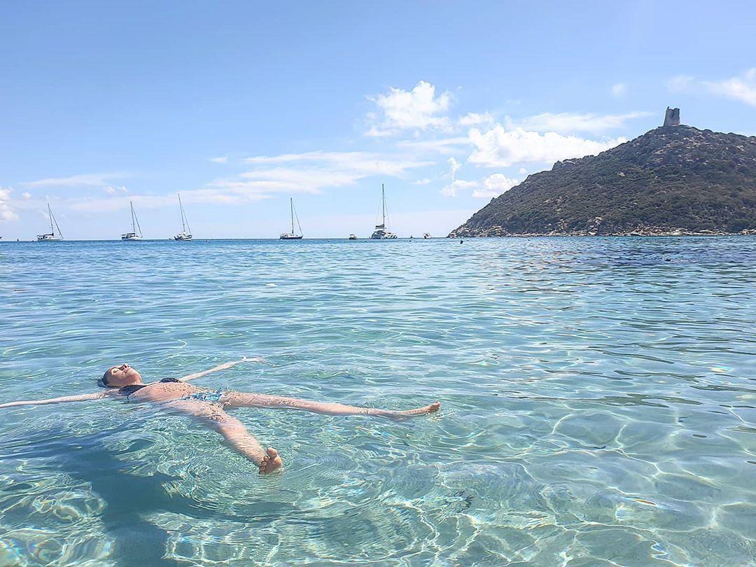 Travolti Da Un Insolito Destino Nell Azzurro Mare Di Settembre Nofilter Vacanzeitaliane Nofilterneeded Sardegna Sardegnaofficial Swimmingpool S In 2020 Swimwear Speedo
