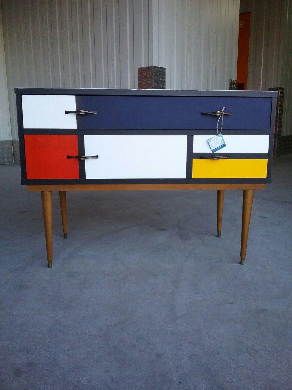 Cómoda vintage  España Circa años 60 Recuperada Diseño nórdico  Diseño Mondriaan  Style Vintage Deco