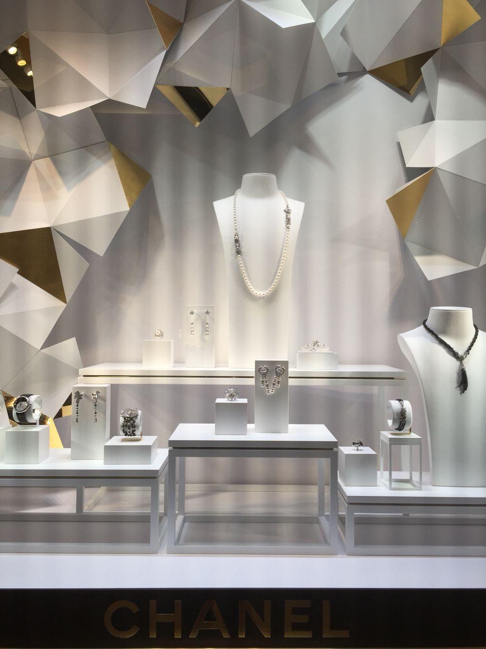 Chanel Fine Jewelry Window Display Encore Hotel Las
