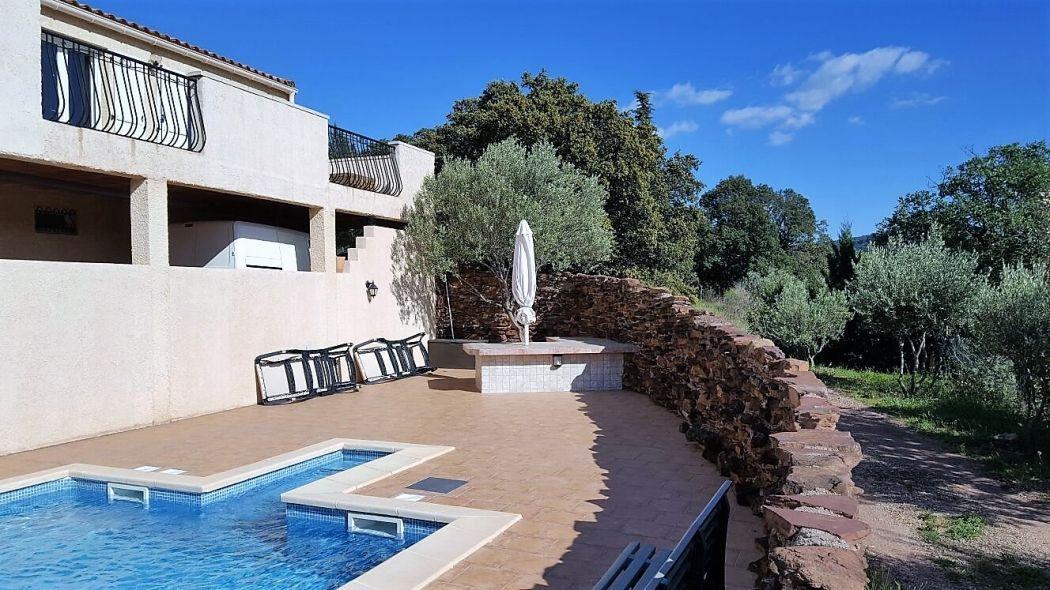 Sur les hauteurs du département - avec une vue exceptionnelle - à - location maison cap d agde avec piscine