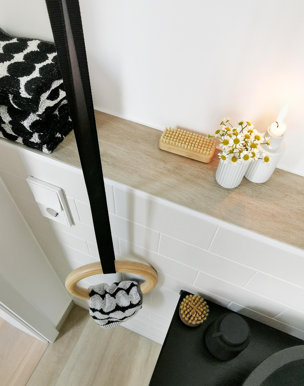 DIY Handtuchhalter aus Holz Turnringen