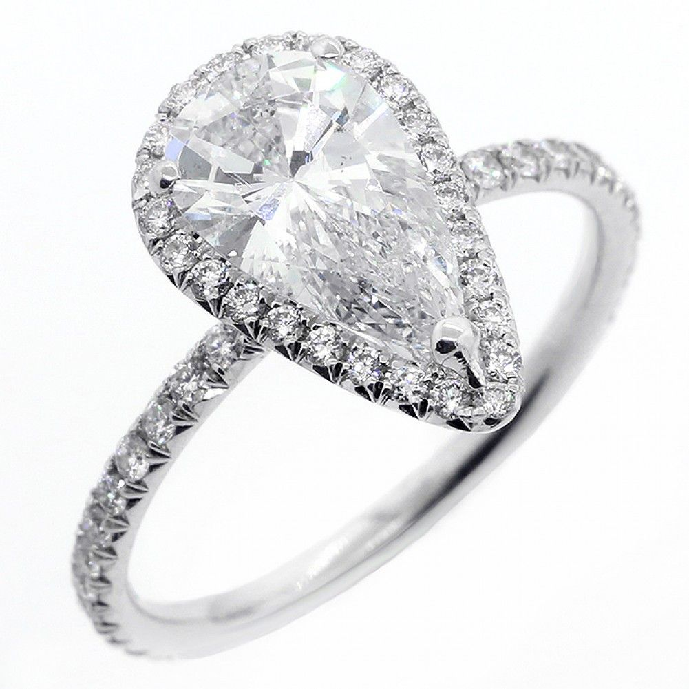 1.51Cts Pear shape diamond engagement ring set in 18K