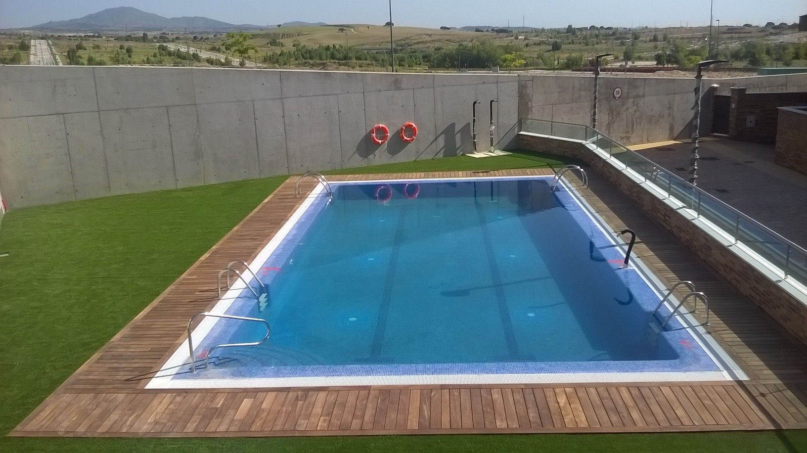 Piscina viviendas en Tres Cantos | piscinas | Pinterest