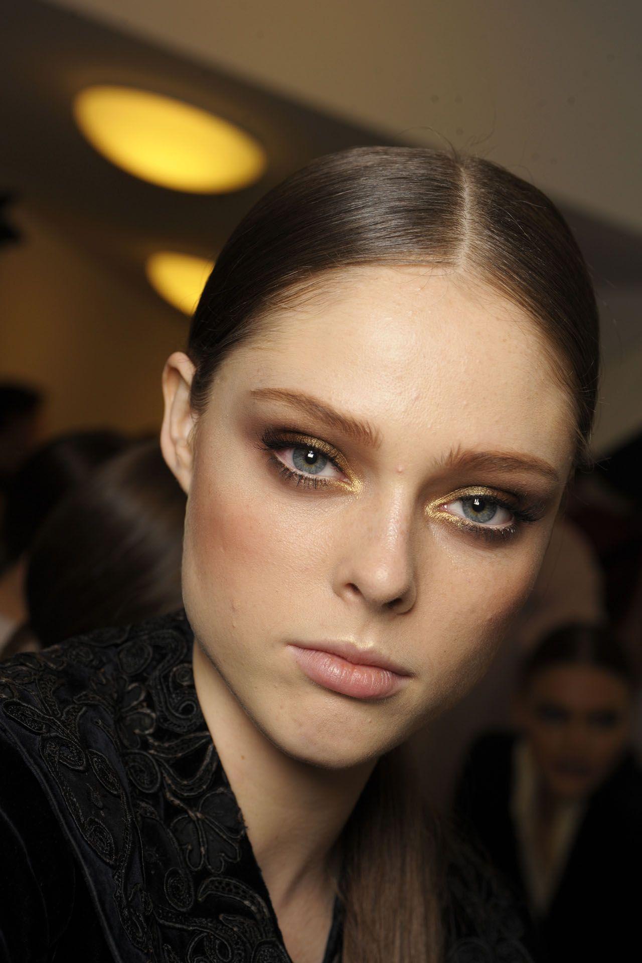 Versace Beauty Tribute Catwalk makeup, Sleek hairstyles