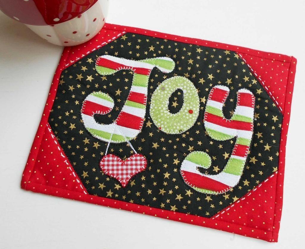 Christmas Mug Rugs: 10 mini quilt designs for the Winter Season ...