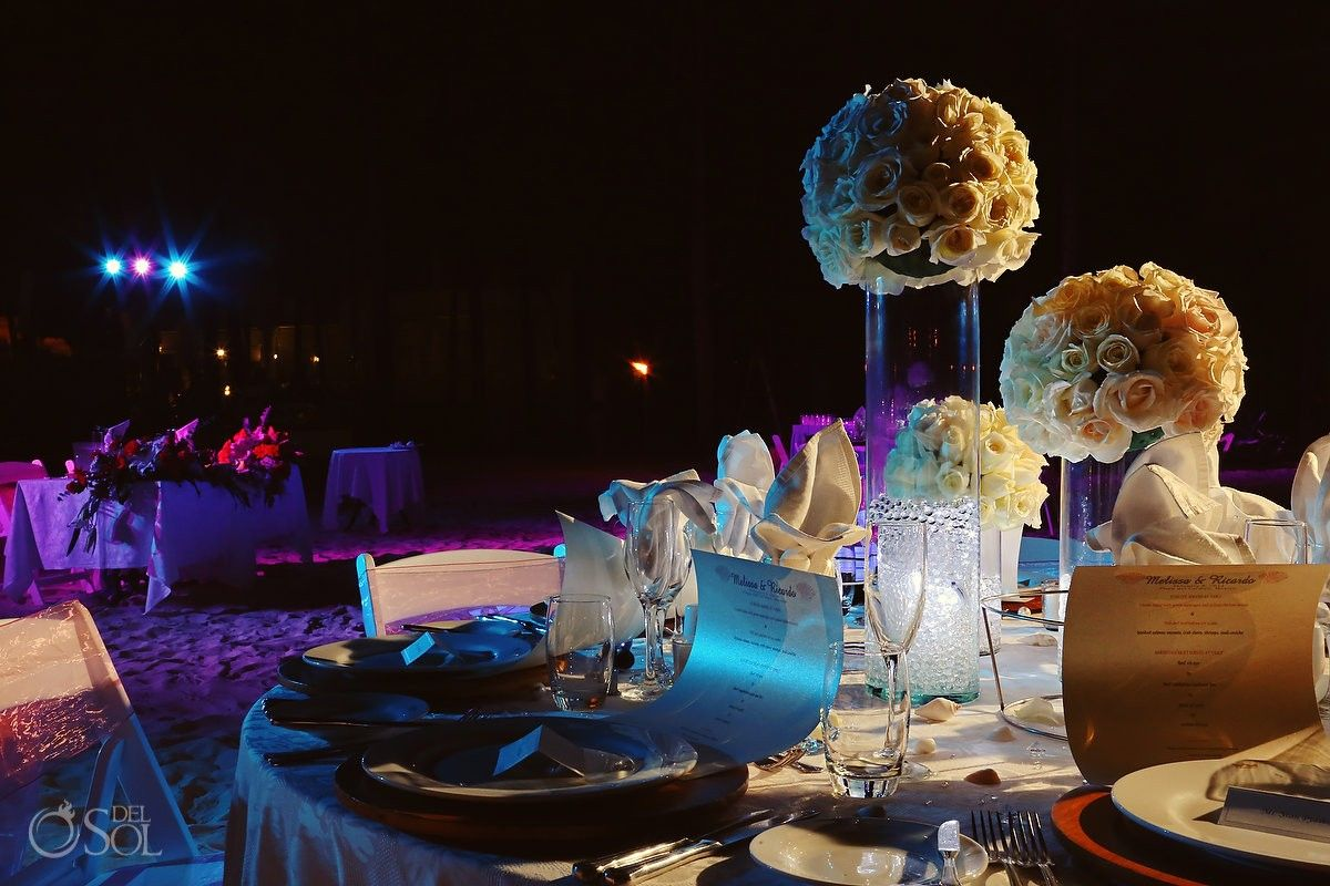 Pretty Table Set Up For A Reception At Destination Wedding The Riu Palace Riviera Maya Love Floral Arrangements Mexico Photographers Del
