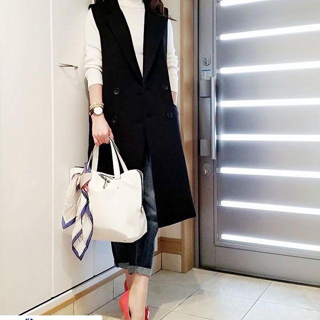 elem_official@sayoko87さんがelemのタートルを着てくださってます♡  いつも素敵です♡  ありがとうございます♡  #Repost @sayoko87 with @repostapp. ・・・ ♡♡♡ * ´ω`)ノぐんも♪ 良いお天気で少し暖かく感じますね☀ * そんな#本日のコーデ は… タートルリブニット#elem_official スリムボーイフレンドフィットアンクルジーンズ #ユニデニ#ユニジョ ロングジレ#birthdaybashshop レザーバングル&スカーフ#zakkabox パンプス…babypure バッグ…ZARA 時計…#danielwellington 車移動の私にはピッタリなロングジレ✨ お洒落な友達がお勧めしていた バングルとスカーフ❤ おNewアイテムはテンション上がります * では皆さま…本日もふぁいてぃ~ん 良い1日をお過ごし下さい * あの日から5年… 当たり前の毎日に感謝しながら 忘災にならないように過ごしたいです Yahooで「3.11」と検索すると 募金活動になるそうです 微力ながら私も参加させて頂きました…