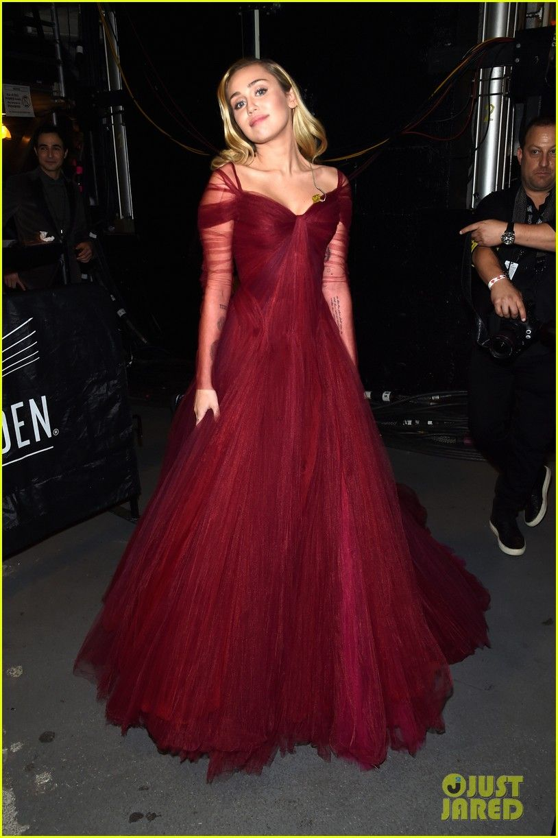73caffa2d23 Image result for miley cyrus at red performance dress at grammys ...